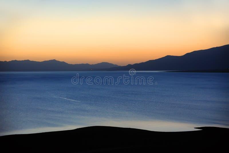 Lago ad alba fotografie stock