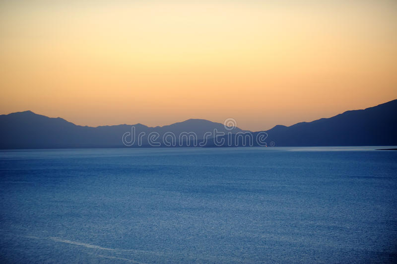 Lago ad alba immagine stock libera da diritti