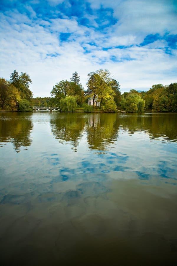 Lago agradável imagem de stock