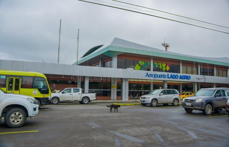 LAGO AGRIO, ECUADOR 16 DE NOVIEMBRE DE 2016: Aeropuerto hermoso situado en la ciudad de Lago Agrio, a donde el turista llegó imágenes de archivo libres de regalías