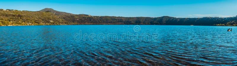 Lago albano, fotografía panorámica imagen de archivo