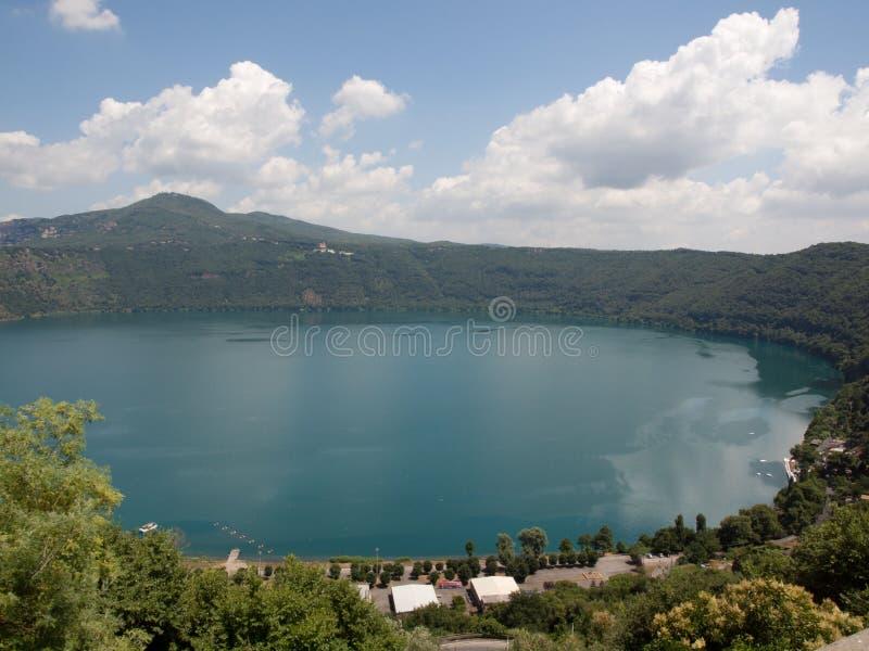 Lago Albano visto de Castel Gandolfo imagens de stock royalty free