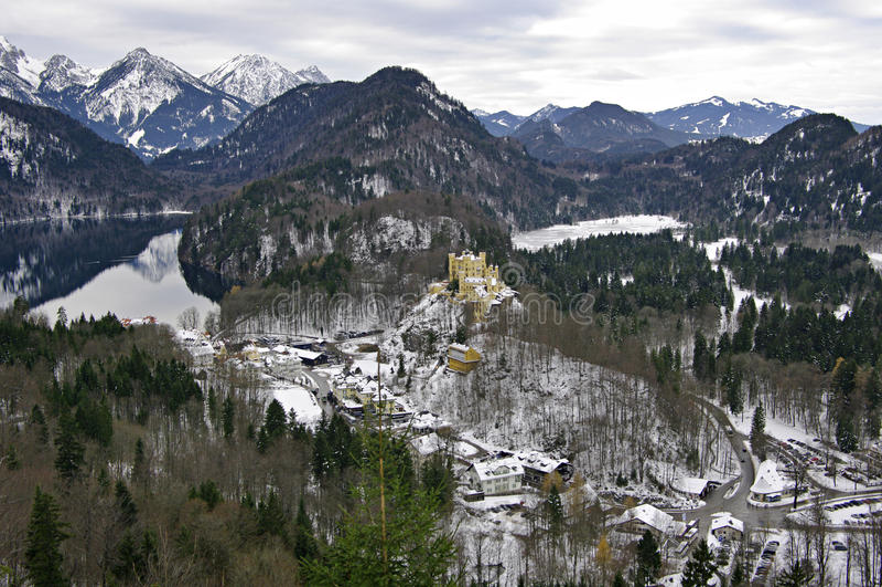 Lago Alpsee y castillo de Hohenschwangau Baviera, Alemania fotografía de archivo libre de regalías