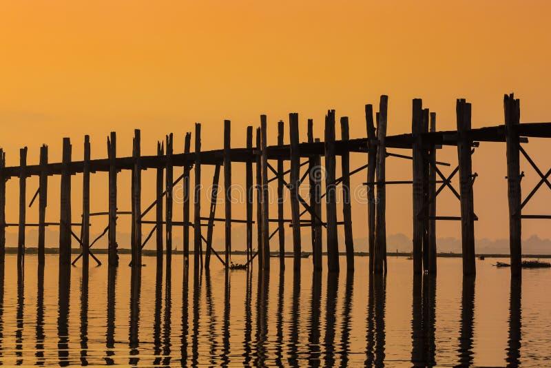 Lago Amarapura Myanmar Taungthaman da ponte de U Bein foto de stock royalty free