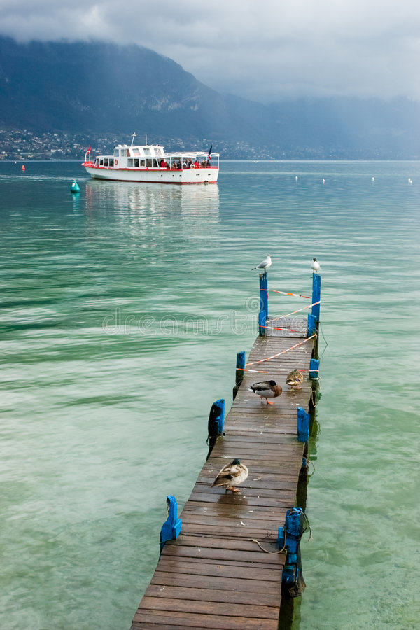 Lago Annecy foto de archivo