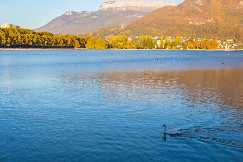 Lago Annecy em Fran?a fotos de stock