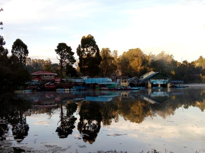 Lago apacible imagen de archivo