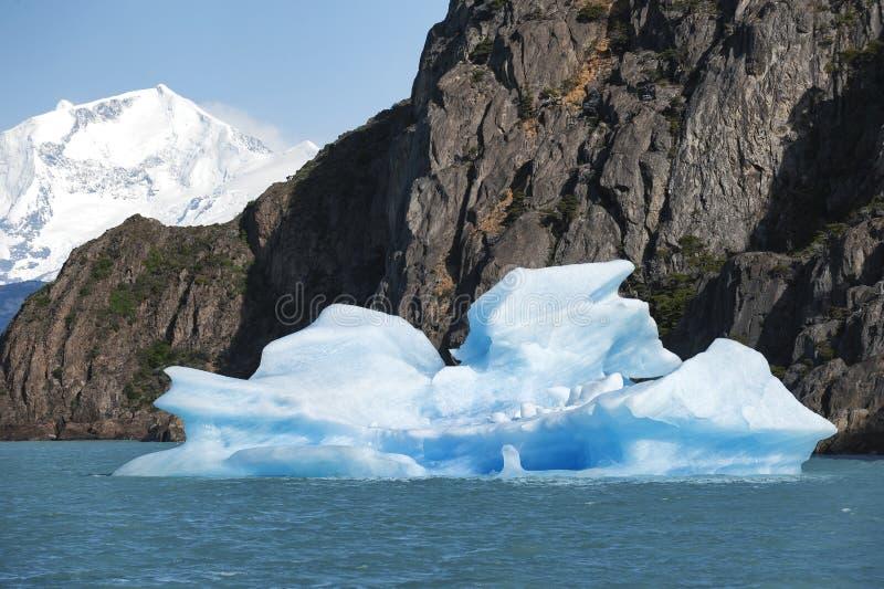 Lago argentine en la Patagonia, la Argentina fotografía de archivo libre de regalías