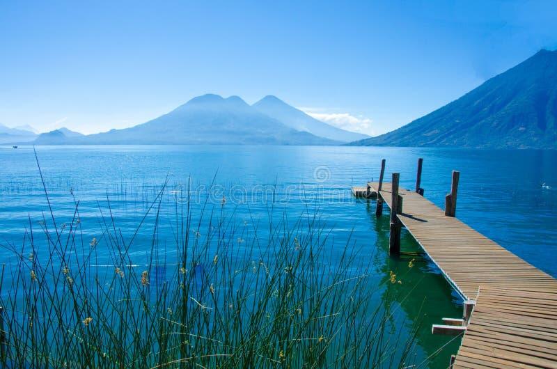 Lago Atitlan Guatemala - embarcadero fotos de archivo libres de regalías