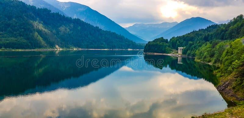 Lago austr?aco hermoso - opini?n de Wonferful foto de archivo libre de regalías
