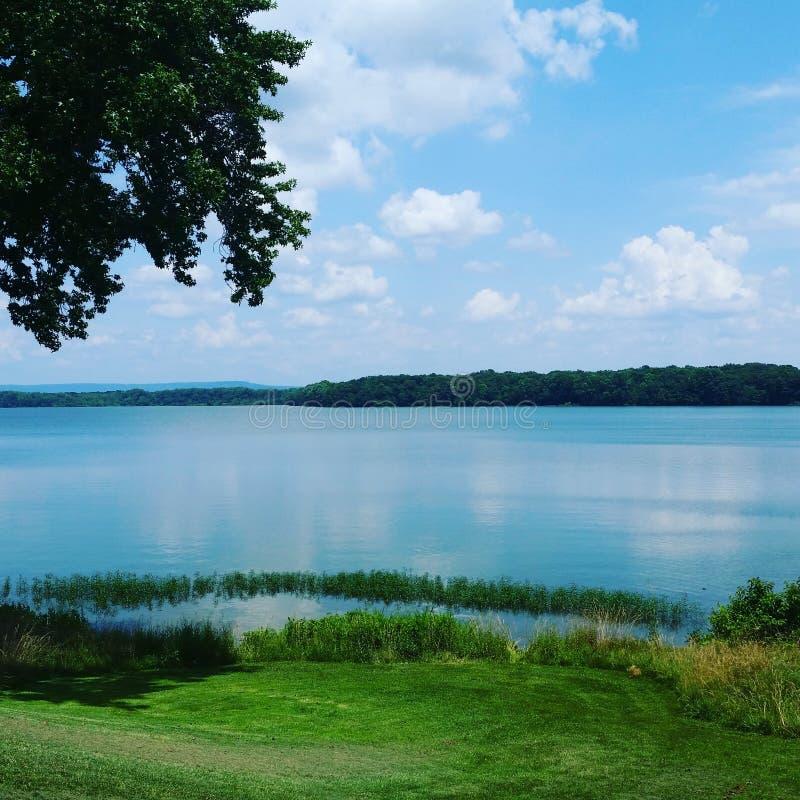 Lago azul imagens de stock