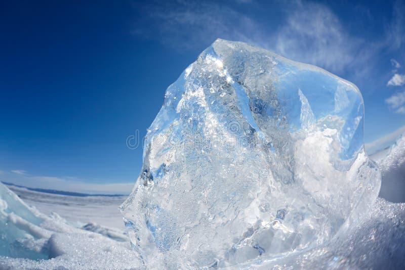 Lago Baikal del invierno de la masa de hielo flotante de hielo imagen de archivo