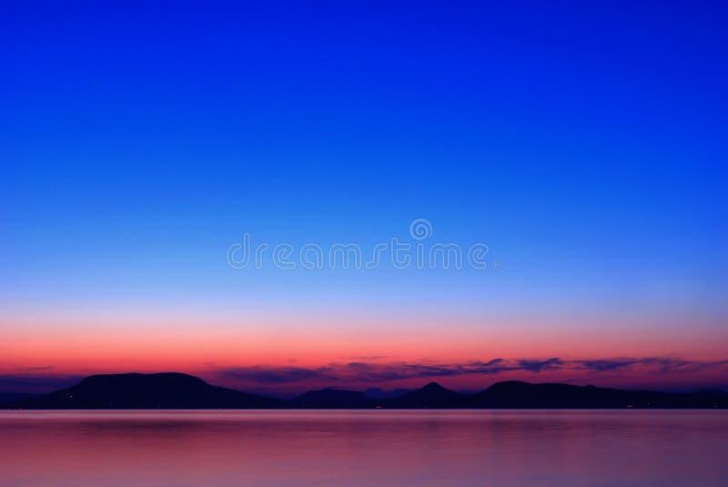 Lago Balaton no anoitecer imagens de stock royalty free