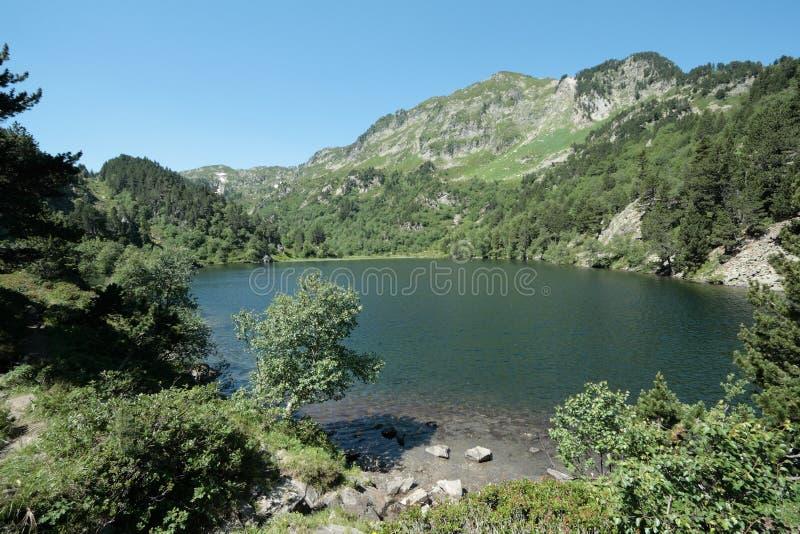 Lago Balbonne em Pyrenees, França imagem de stock royalty free