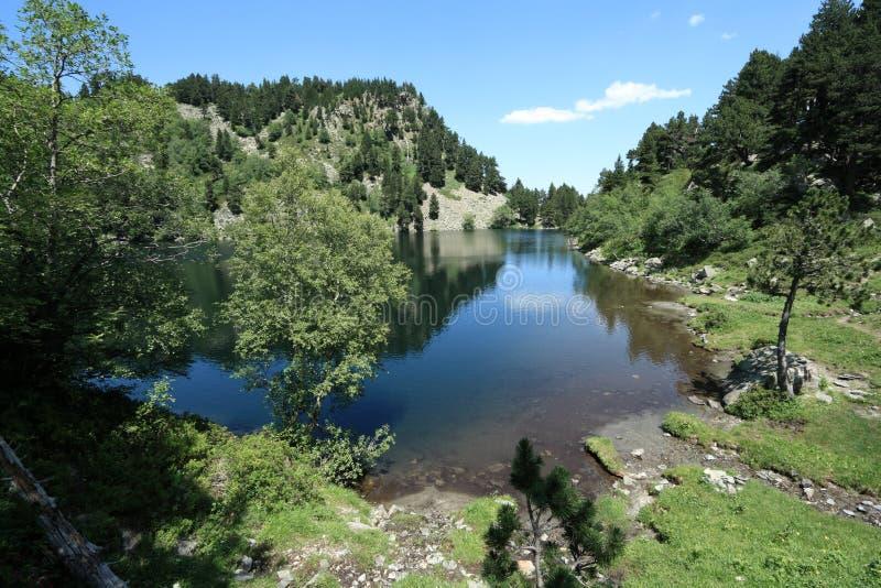 Lago Balbonne in Pyrenees immagini stock libere da diritti