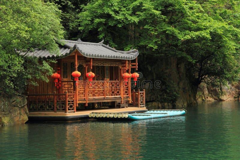 Lago Baofeng, a reserva natural Zhangjiajie, China foto de stock