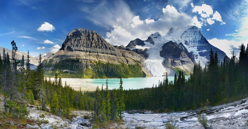 Lago berg, geleira, montagem Robson Park, canadense Montanhas Rochosas imagem de stock