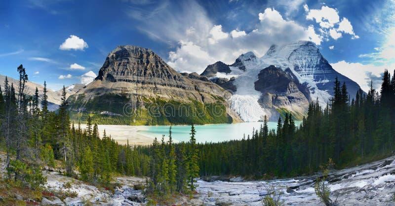 Lago berg, ghiacciaio, supporto Robson Park, canadese Montagne Rocciose immagine stock