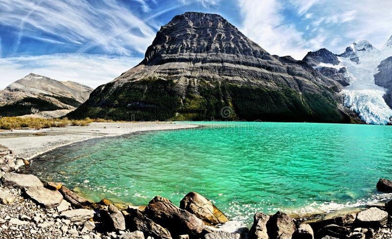 Lago berg, ghiacciaio, supporto Robson Park, canadese Montagne Rocciose fotografia stock libera da diritti