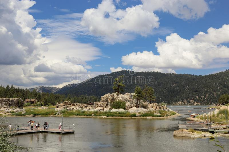 Lago big bear immagine stock editoriale immagine di for Cabine di noleggio in big bear ca