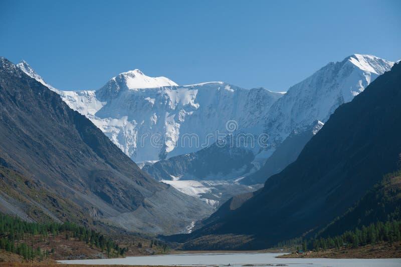 Lago blanco mountain foto de archivo libre de regalías