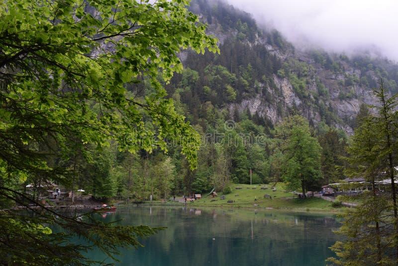 Lago Blausee, Suiza imagen de archivo