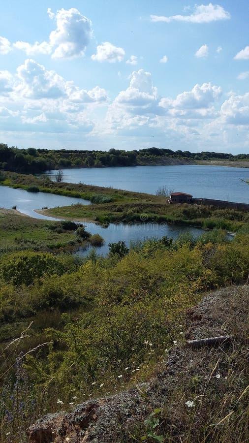 Lago blu di estate immagine stock