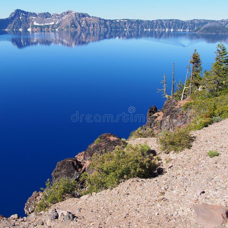 Lago blu profondo del cratere immagine stock libera da diritti