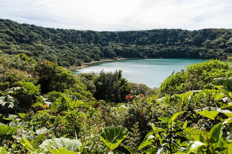 Lago Botos en el vulcano Poas en Costa Rica foto de archivo