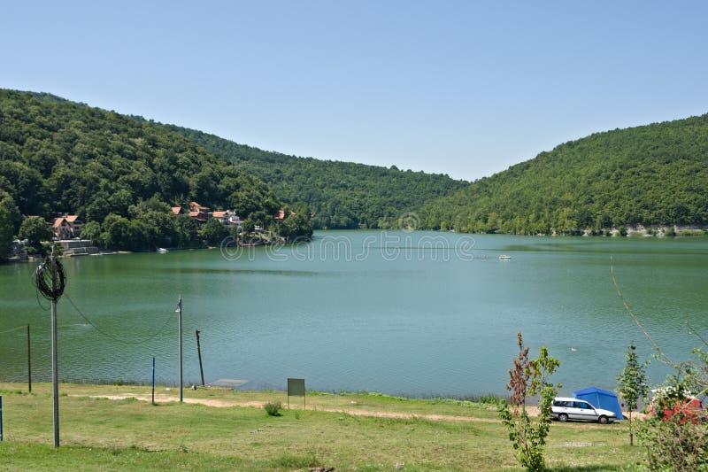 Lago Bovan, lugar para férias na Sérvia fotografia de stock royalty free