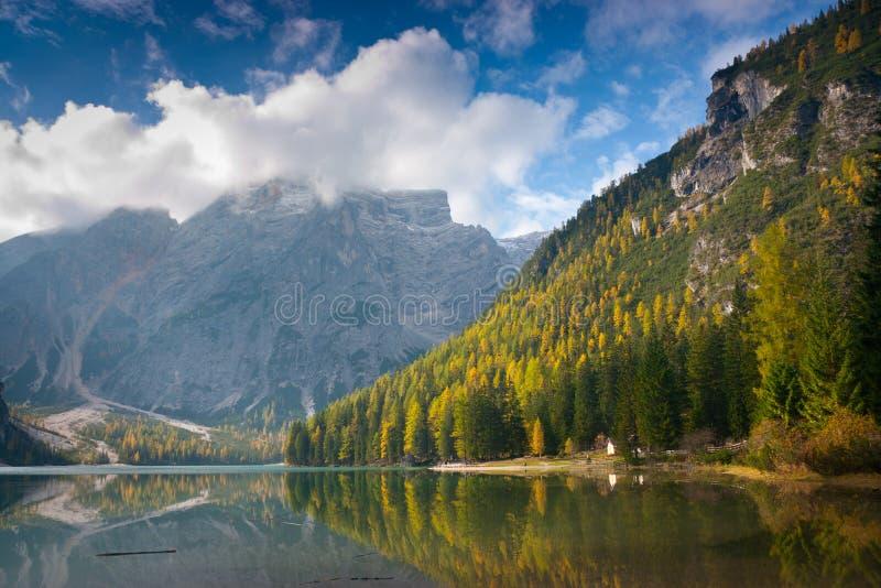 Lago Braies imagens de stock