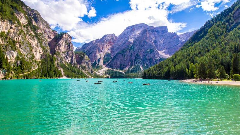 Lago Braies em Tirol sul imagens de stock