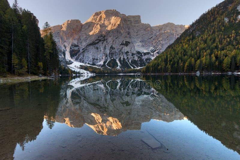 Lago Braies Lagodi Braies fotografia de stock