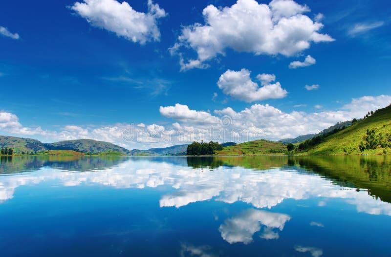 Lago Bunyonyi em Uganda foto de stock royalty free