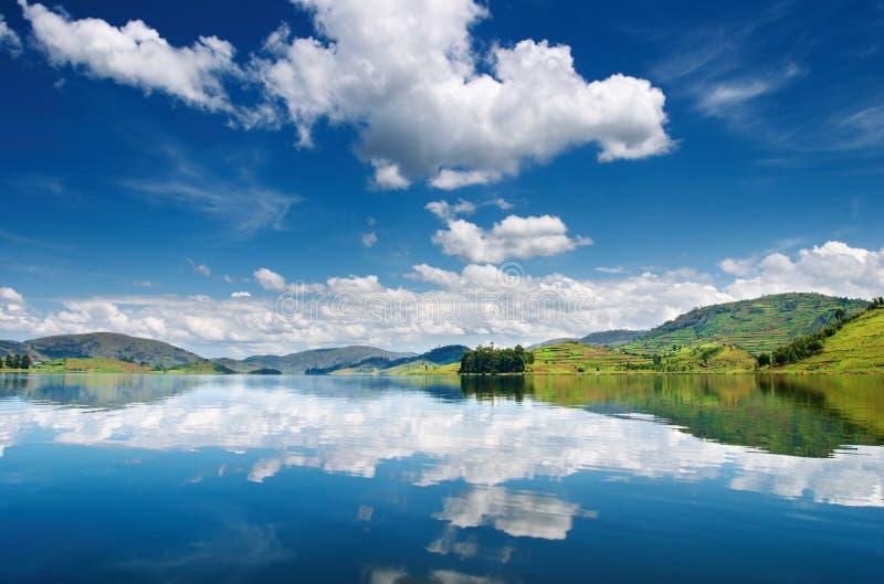 Lago Bunyonyi en Uganda foto de archivo