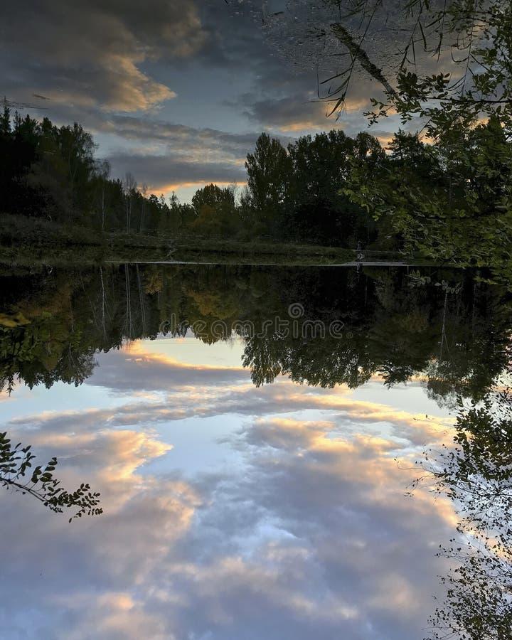 Lago capovolto fotografia stock libera da diritti