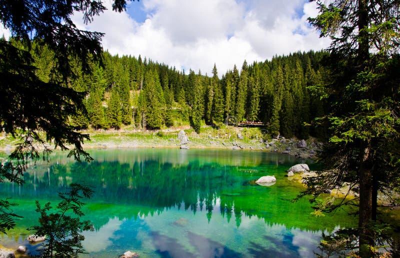 Lago Carezza immagini stock