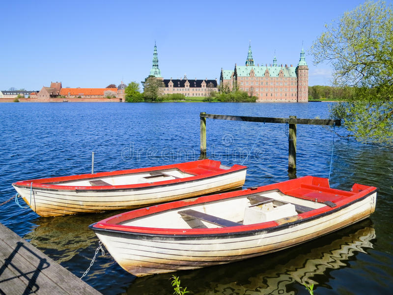 Lago castle, Hillerod, Dinamarca fotos de stock