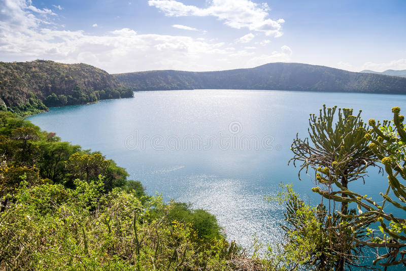 Lago Chala na beira de Kenya e de Tanzânia, África imagens de stock royalty free
