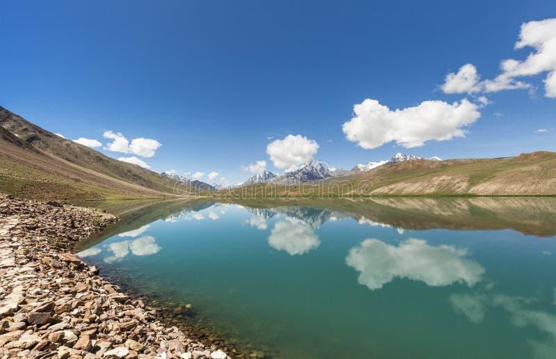 Lago Chandrataal fotos de archivo