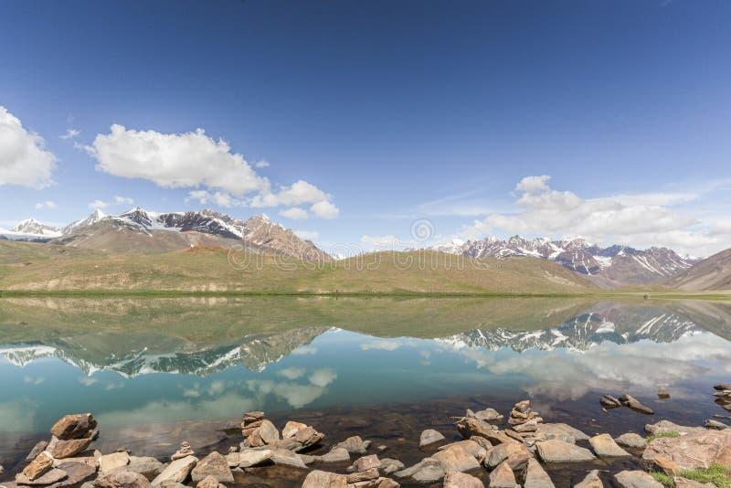 Lago Chandrataal imágenes de archivo libres de regalías