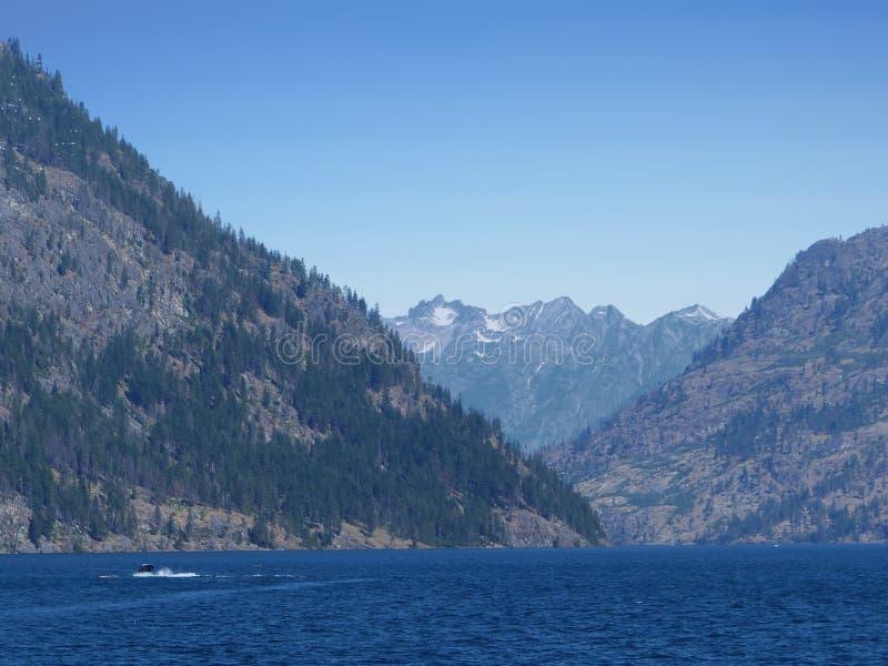 Lago Chelan, WA imagenes de archivo