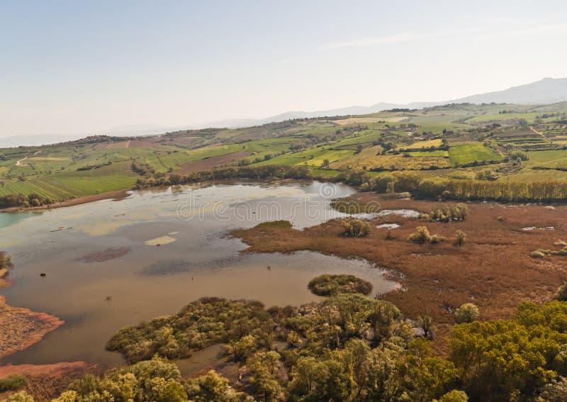 Lago Chiusi em Toscânia foto de stock