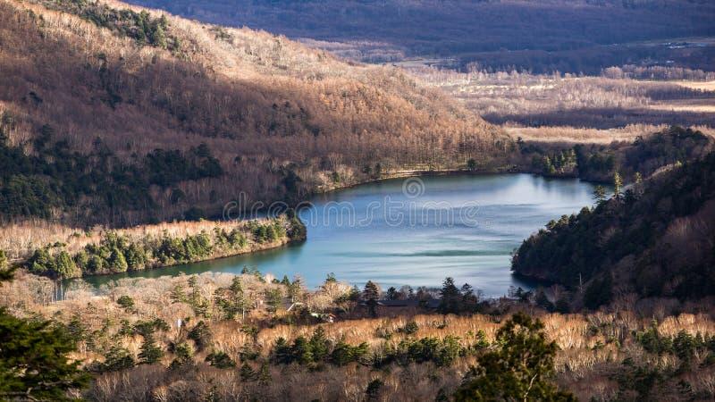Lago Chuzenji durante l'autunno tardo immagine stock