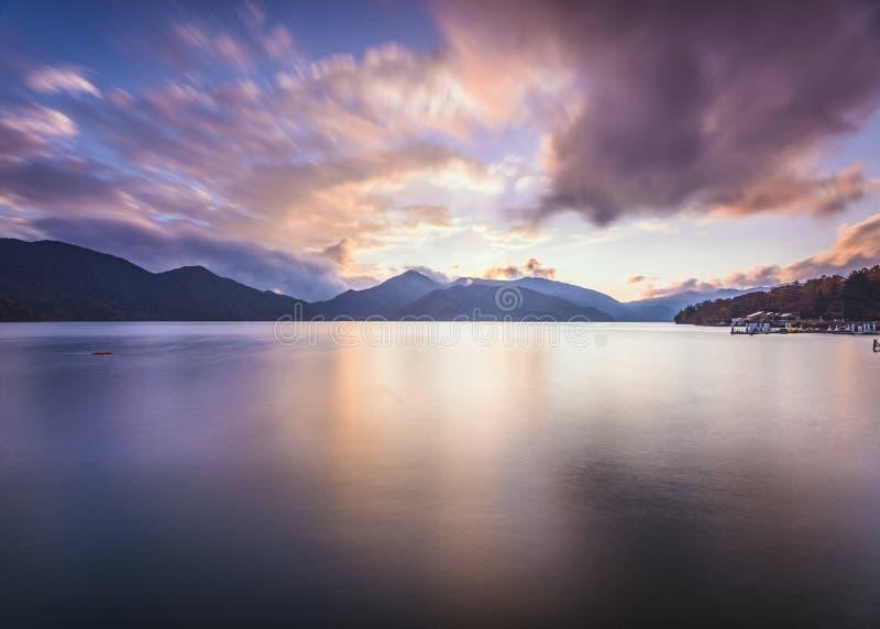 Lago Chuzenji em Nikko, Japão fotos de stock royalty free