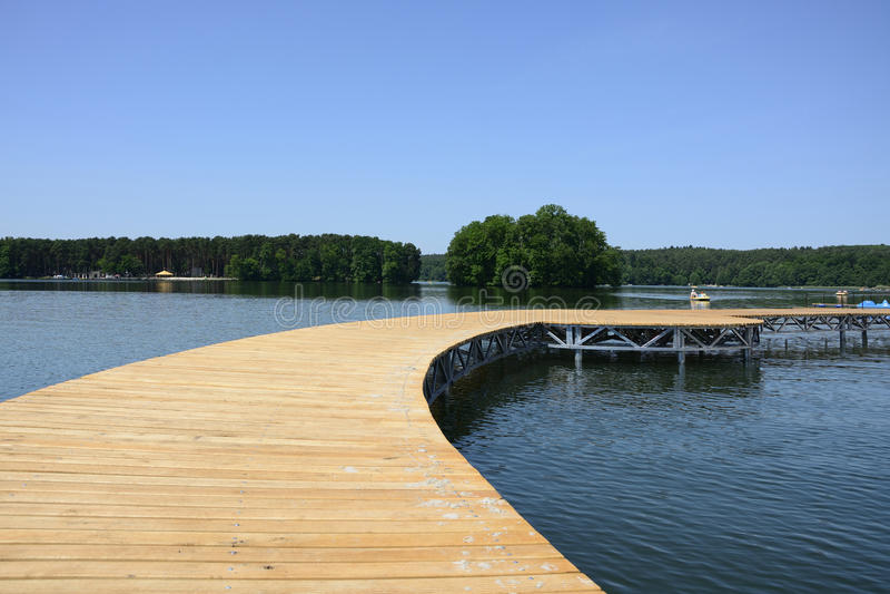 Download Lago, Ciudad Y Alrededores - Lubniewice Foto de archivo - Imagen de agua, cubo: 44851780