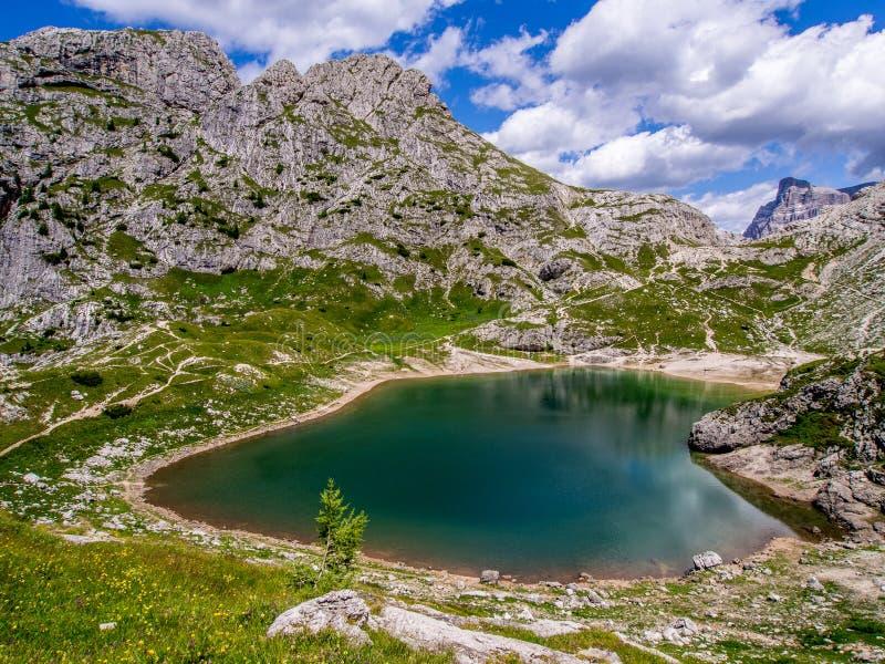 Lago Coldai - dolomites - l'Italie images libres de droits