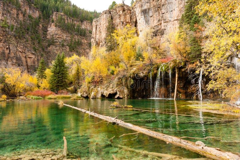 Lago colgante fotos de archivo