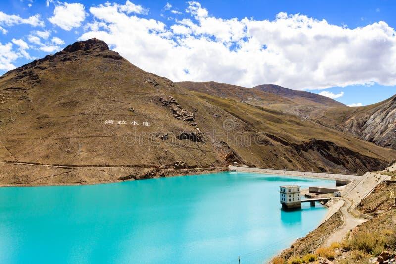 Lago com montanha imagem de stock royalty free