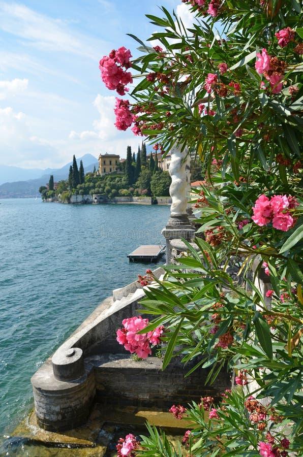 Lago Como del chalet Monastero. Italia imagen de archivo libre de regalías